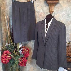 Kasper🌹Two-piece suit jacket coat blazer & skirt.